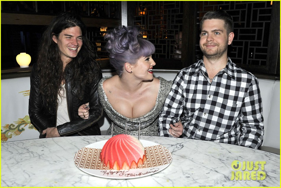 kelly osbourne celebrates birthday amid lady gaga feud 08