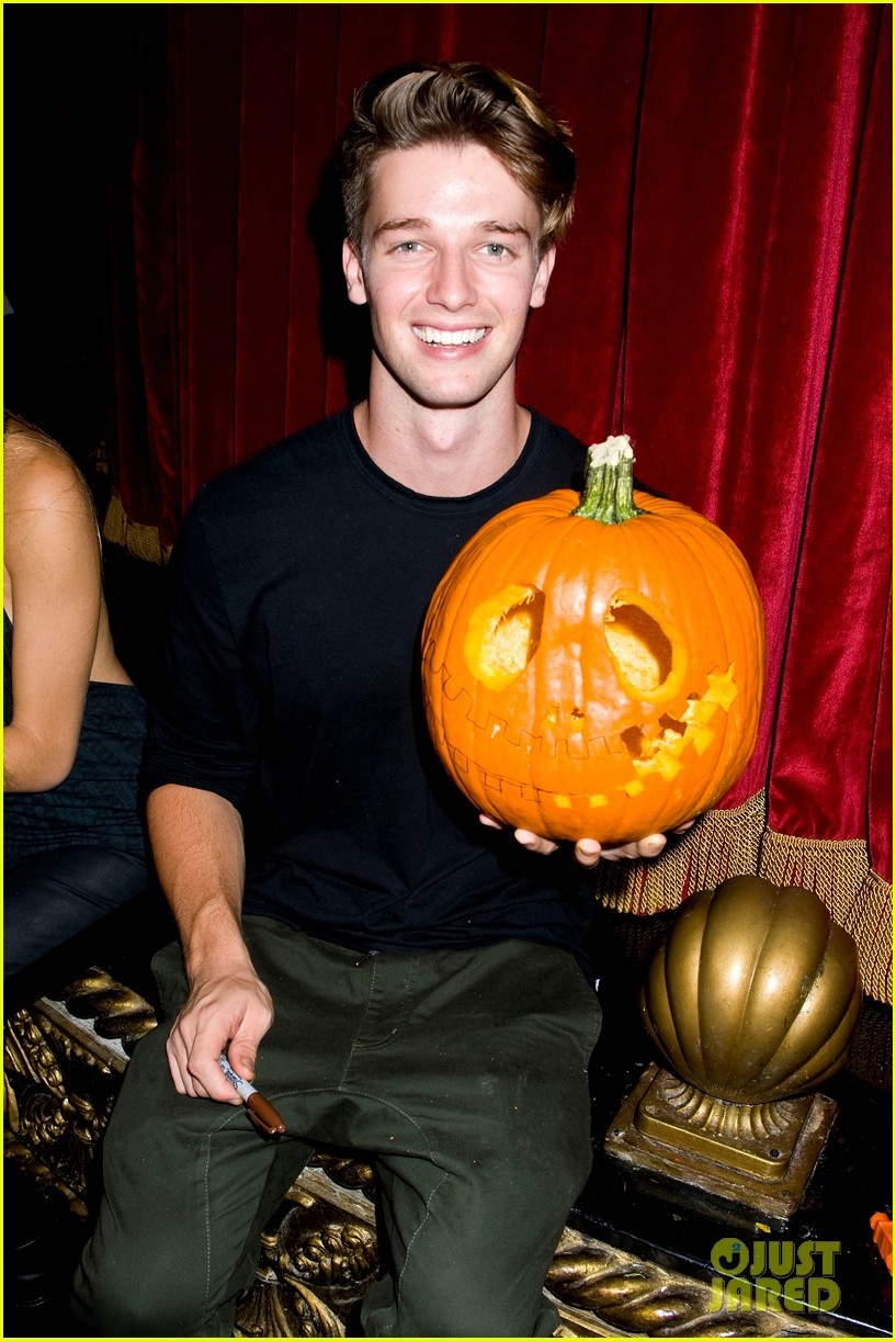 patrick schwarzenegger wilson bethel just jared halloween party 2013 17