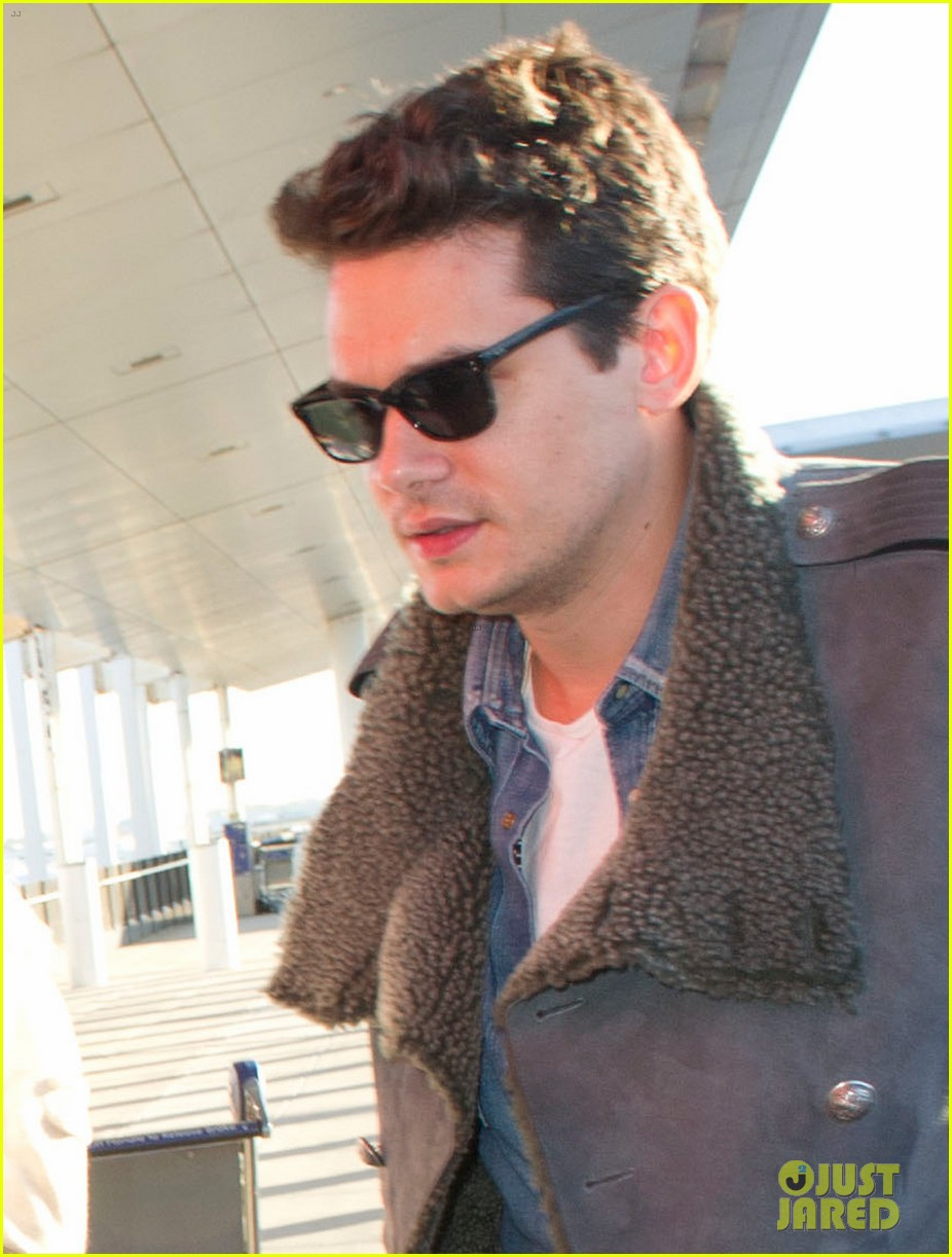 katy perry john mayer catch flight out of new york city 02