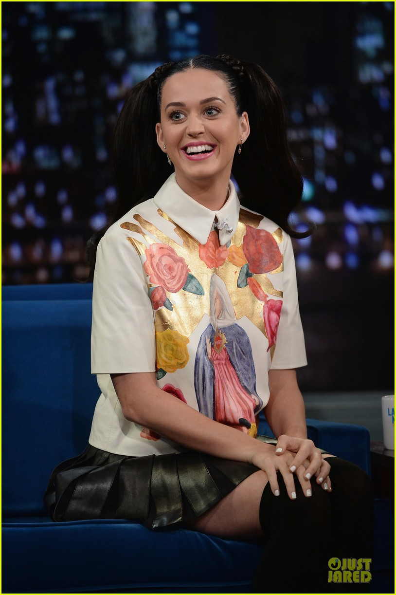 katy perry sticks out tongue for taboo on fallon 06