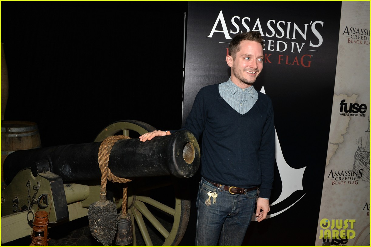 alex pettyfer emile hirsch assassinss creed iv black flag launch party 10
