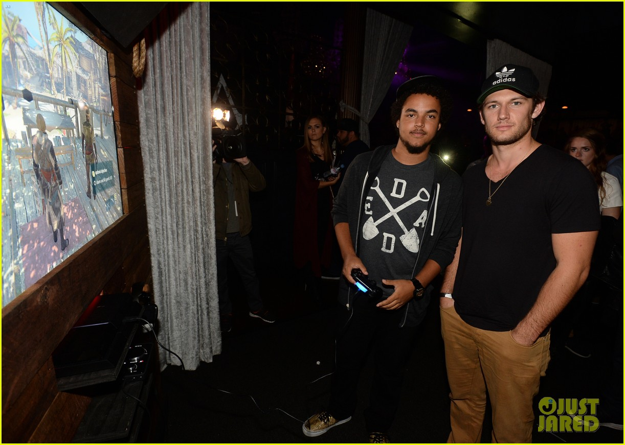 alex pettyfer emile hirsch assassinss creed iv black flag launch party 242977552
