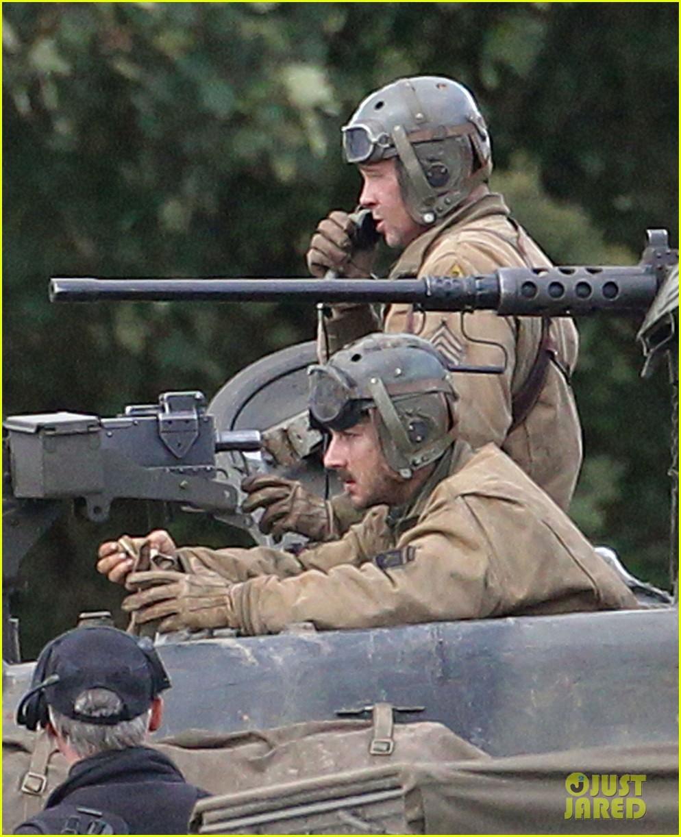 brad pitt shia labeouf continue shooting fury tank scenes 04