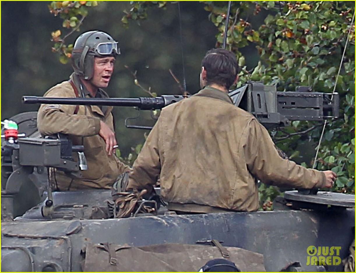 brad pitt shia labeouf continue shooting fury tank scenes 09