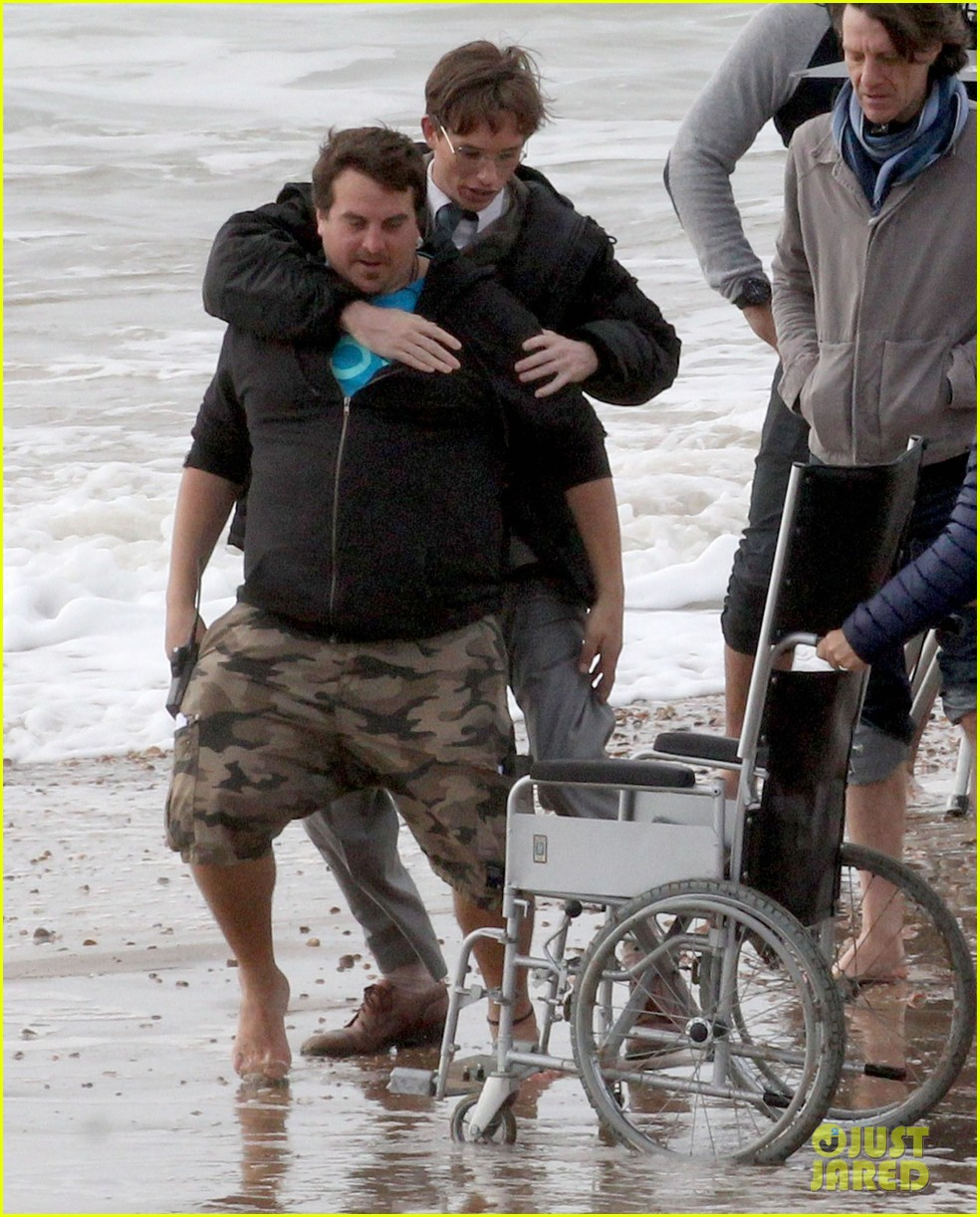 eddie redmayne gets piggy back ride on set 10