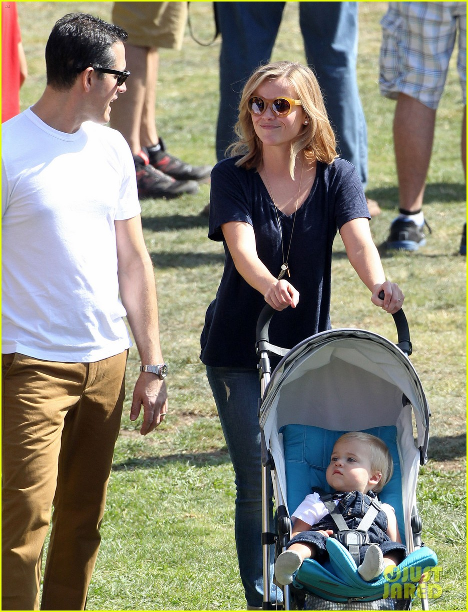 reese witherspoon jim toth brentwood corn festival 072976112