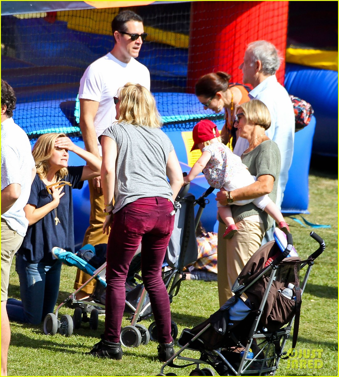 reese witherspoon jim toth brentwood corn festival 28