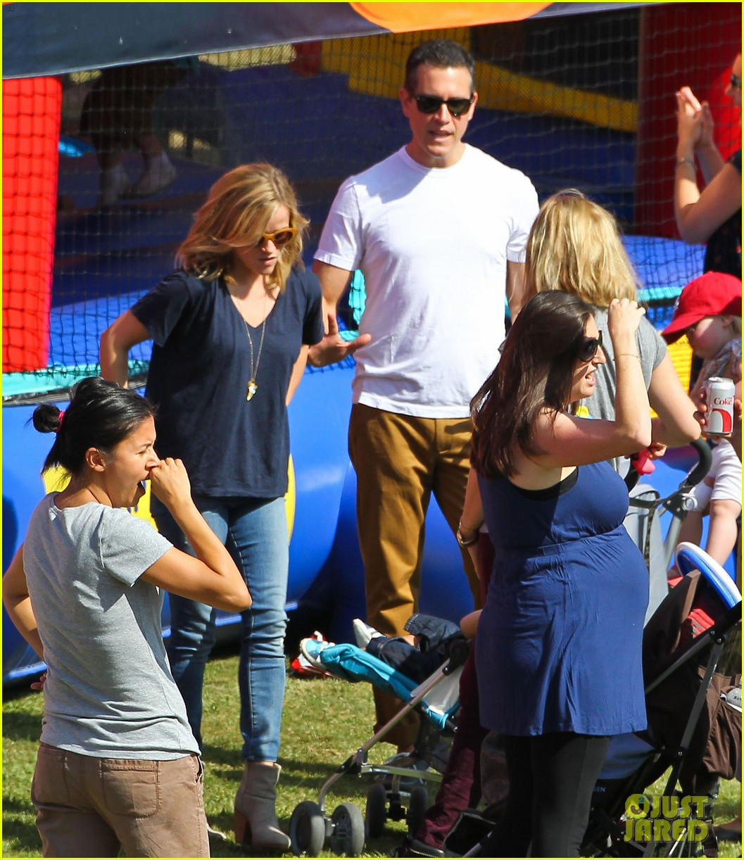 reese witherspoon jim toth brentwood corn festival 31