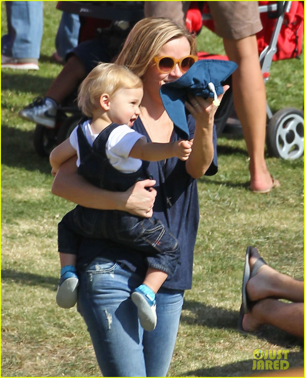 reese witherspoon jim toth brentwood corn festival 36