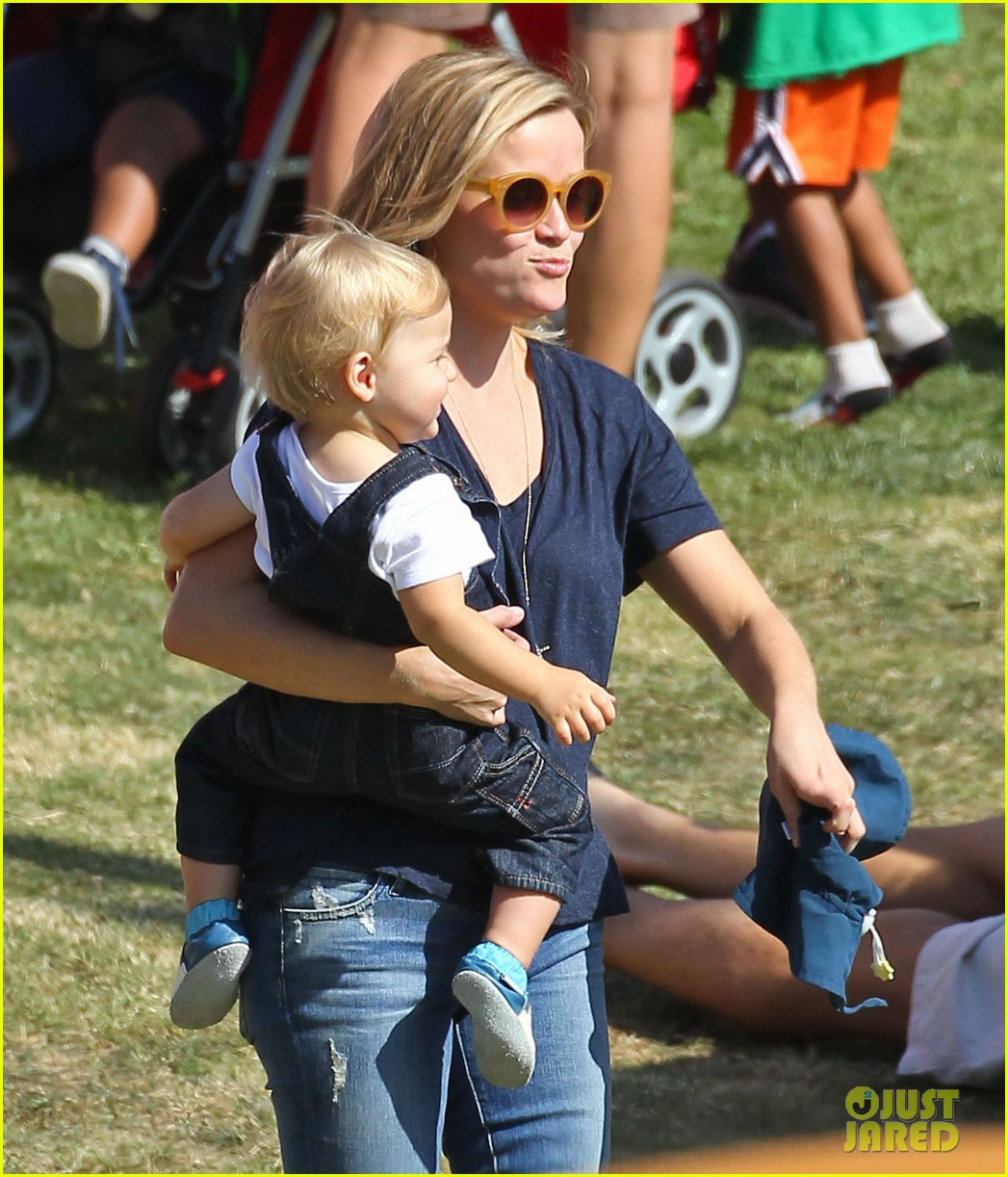 reese witherspoon jim toth brentwood corn festival 37