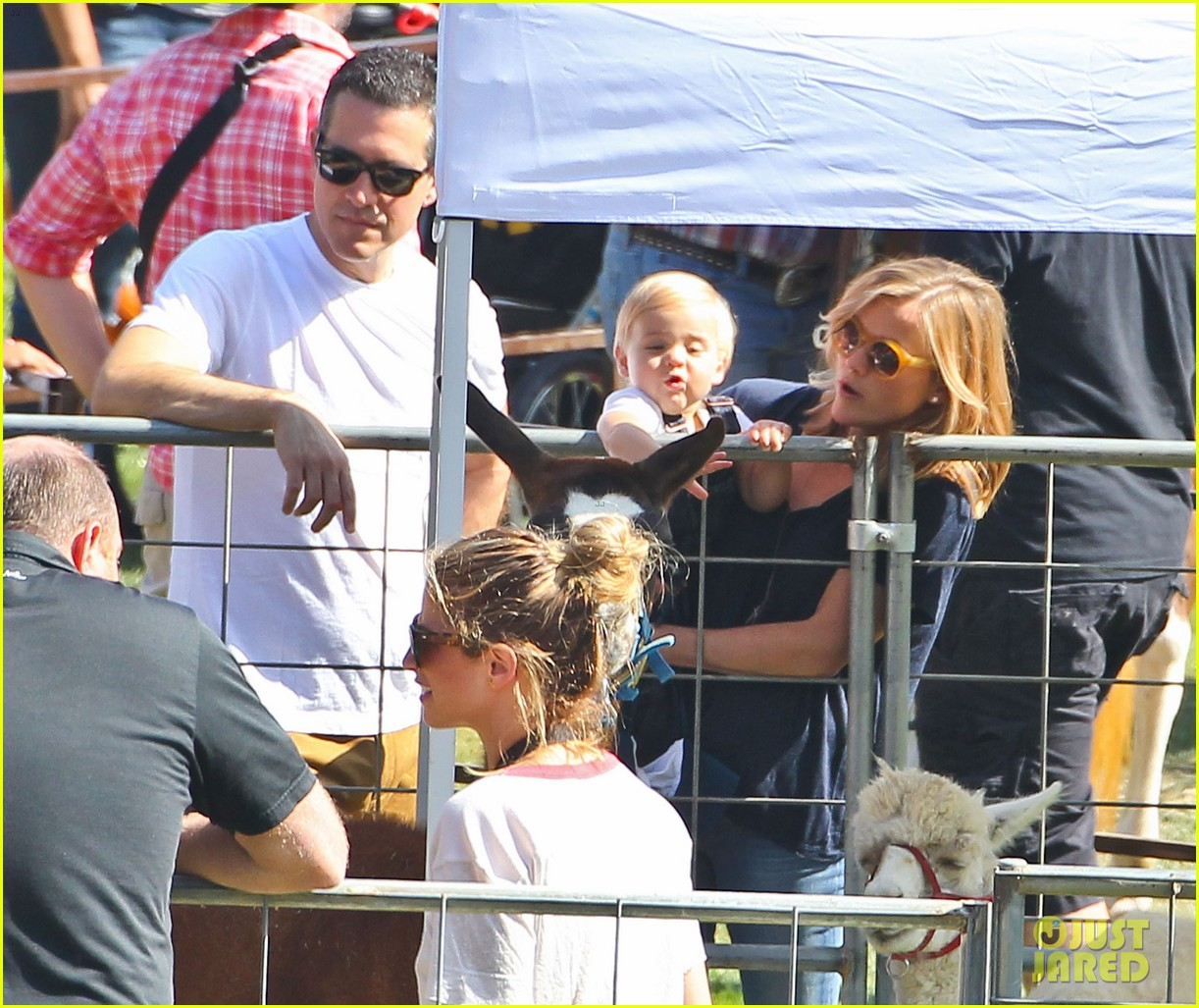 reese witherspoon jim toth brentwood corn festival 46
