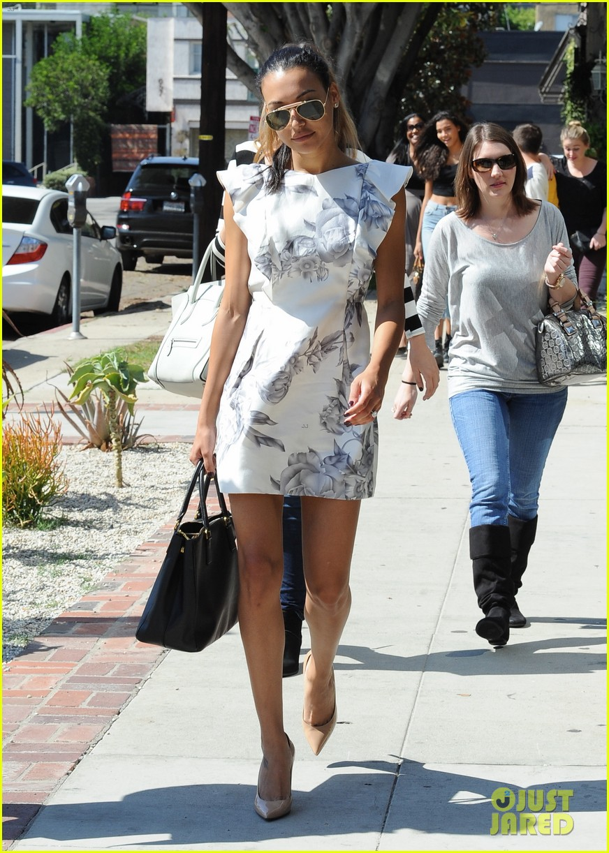 naya rivera goes wedding dress shopping with kevin mchale 09