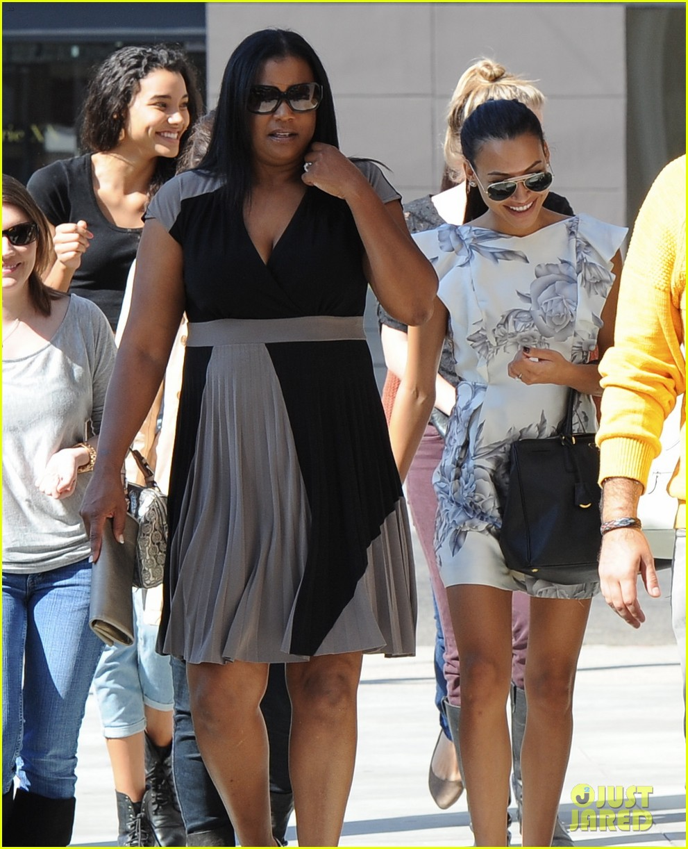 naya rivera goes wedding dress shopping with kevin mchale 102970792