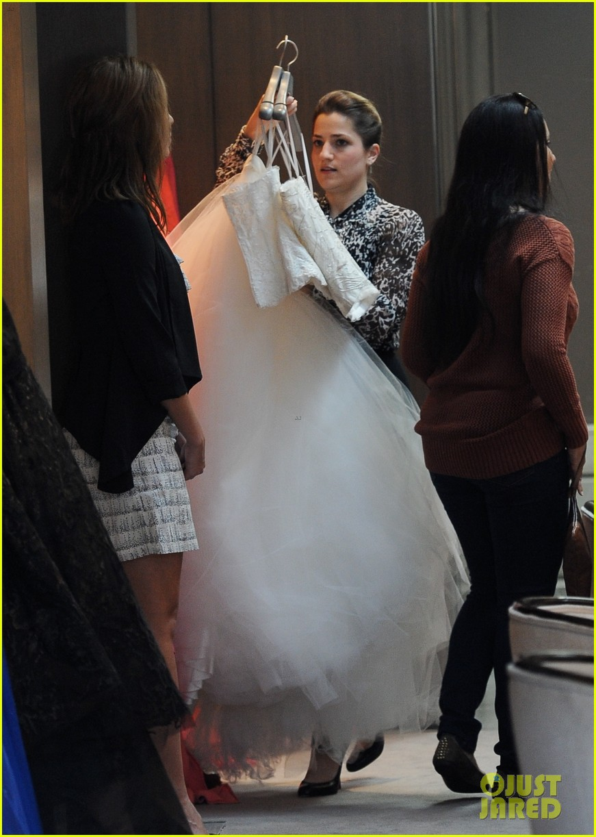 naya rivera goes wedding dress shopping with kevin mchale 14
