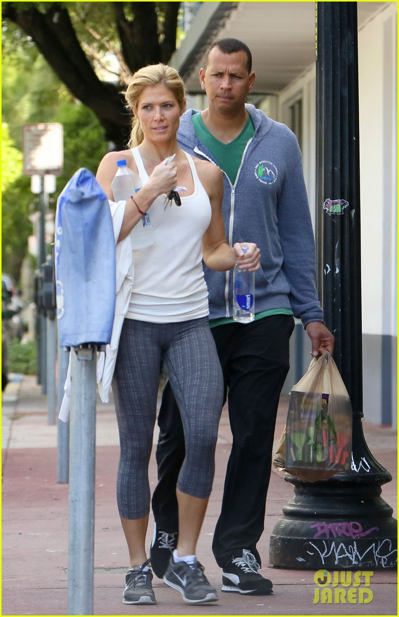 alex rodriguez gym with torrie wilson after whistleblower incident 052976990