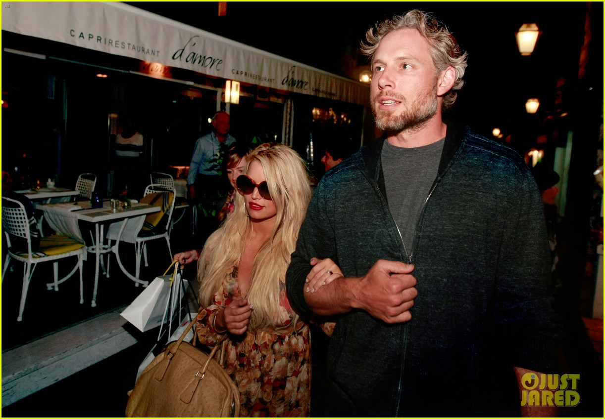 jessica simpson eric johnson in capri prepping wedding 02