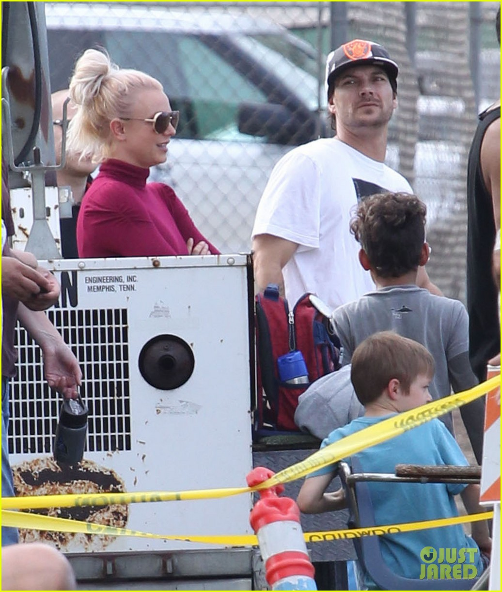 britney spears jayden soccer game with kevin federline 14