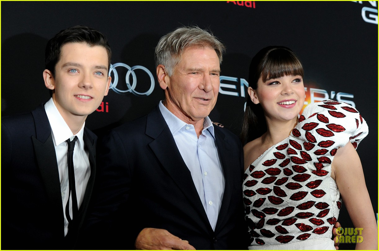 hailee steinfeld asa butterfield enders game premiere 162982067
