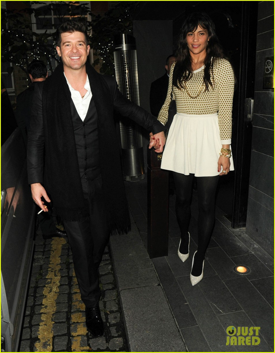 robin thicke london night out with paula patton 04