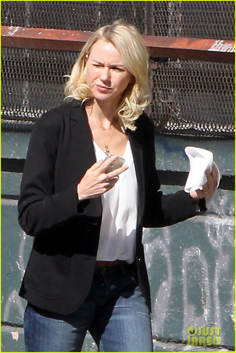 naomi watts bundles up for fall weather in new york city 042977627