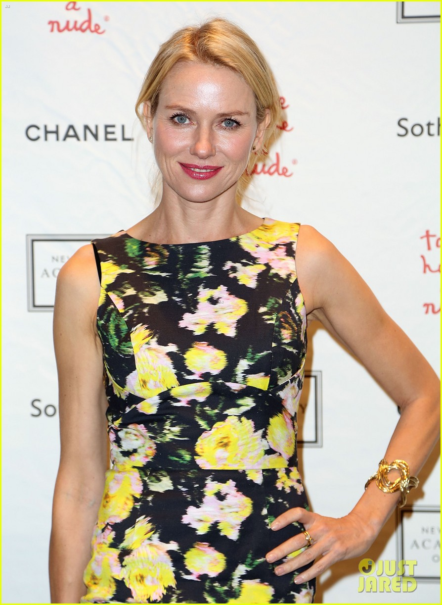 naomi watts take home a nude benefit art auction 02