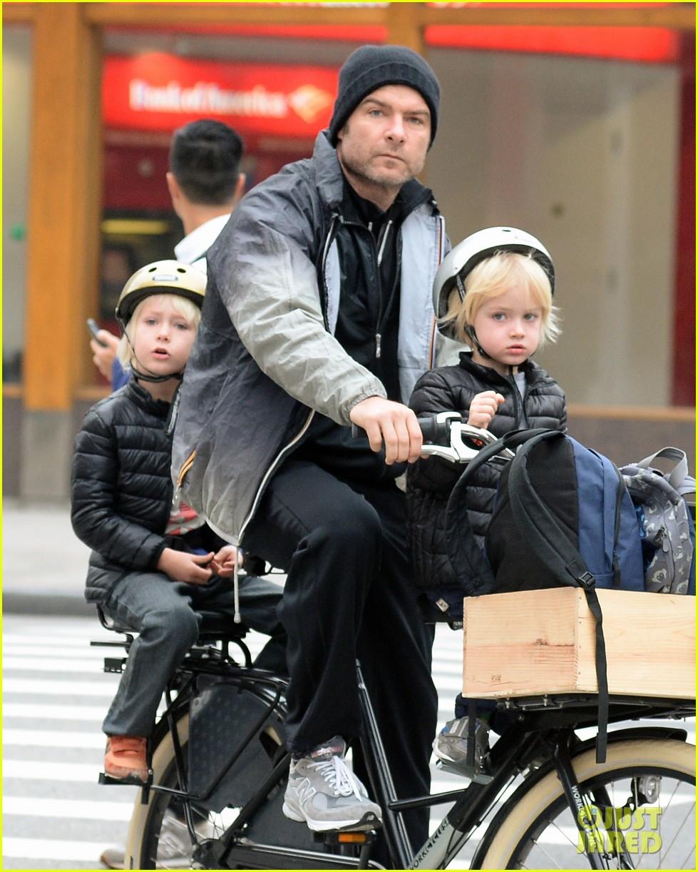 naomi watts liev screiber boys all ride on same bike 11