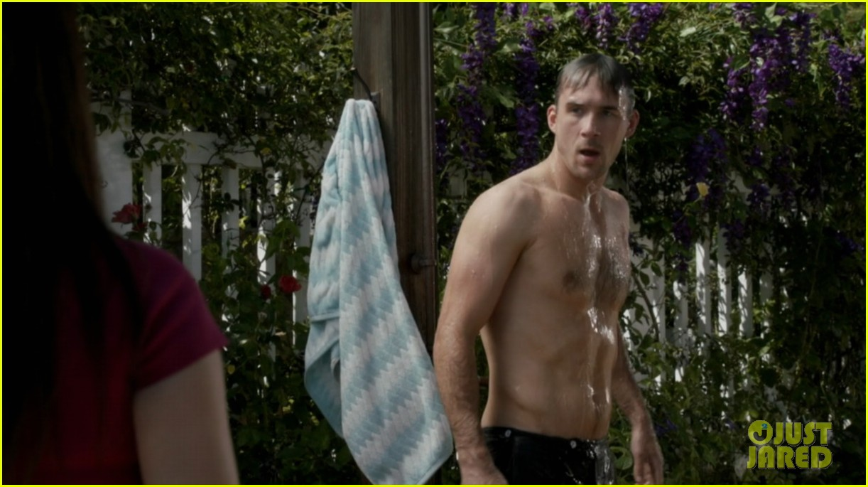 nick wechsler barry sloane revenge shirtless studs 10