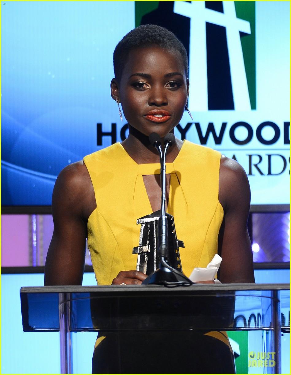 kanye west engagement glow at hollywood film awards 2013 16