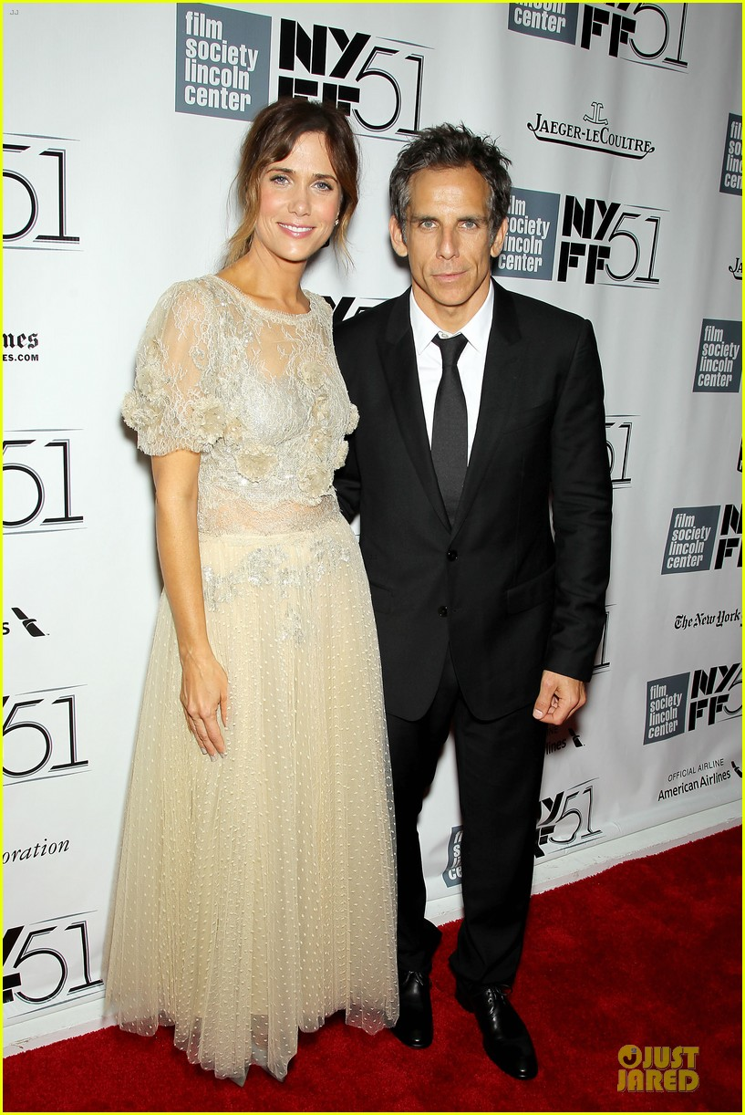 kristin wiig sean penn secret life of walty mitty presentation 12