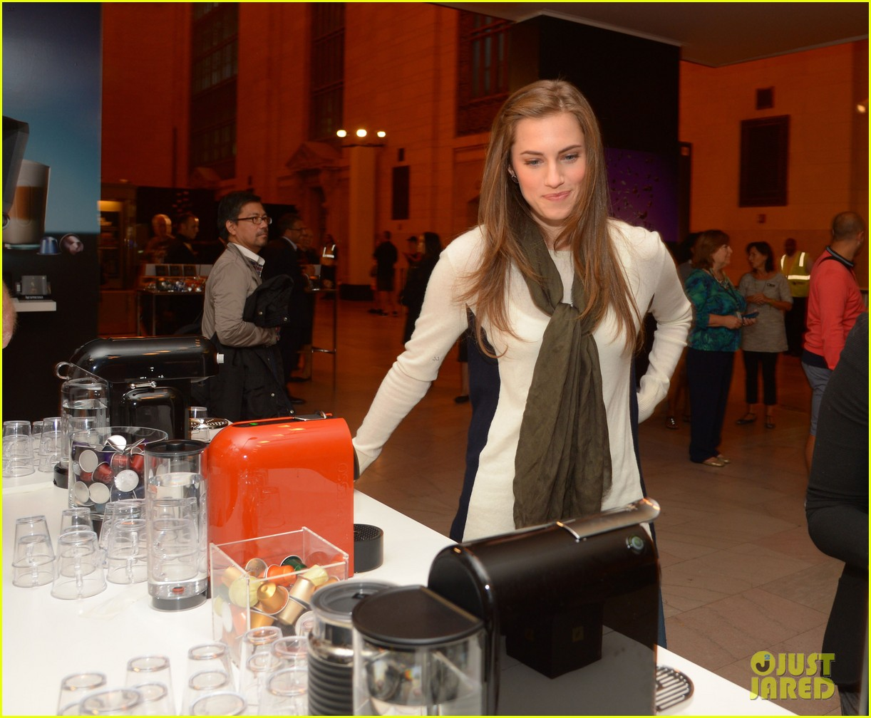 allison williams tries out nespresso in grand central terminal 01