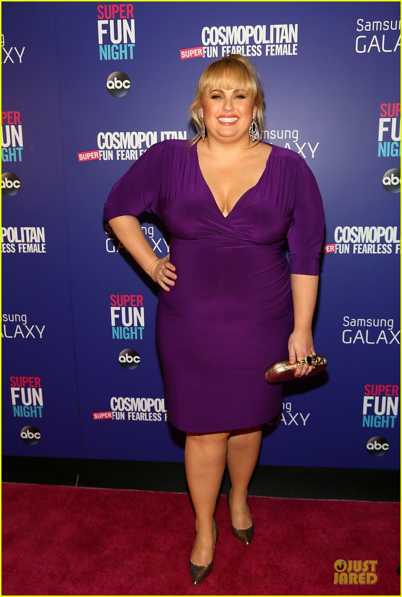 rebel wilson super fun night premiere 01