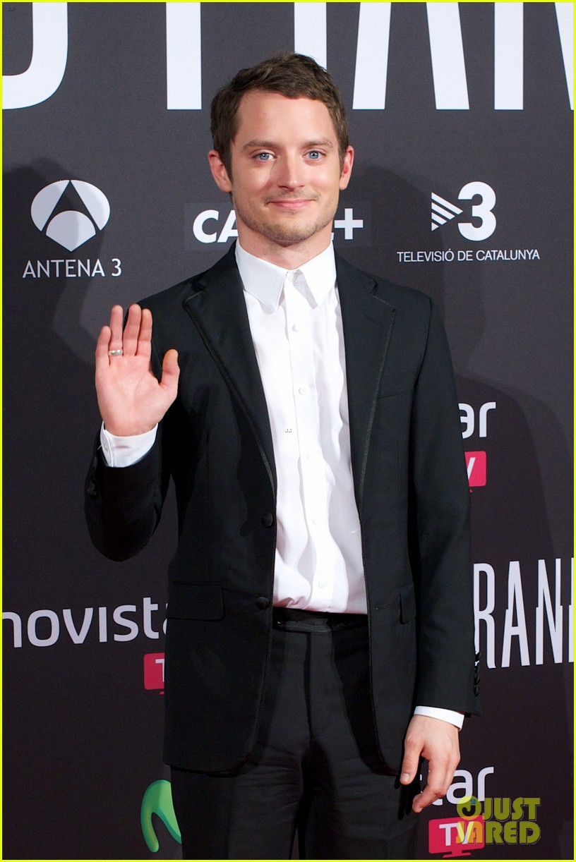 elijah wood grand piano promo in madrid 05