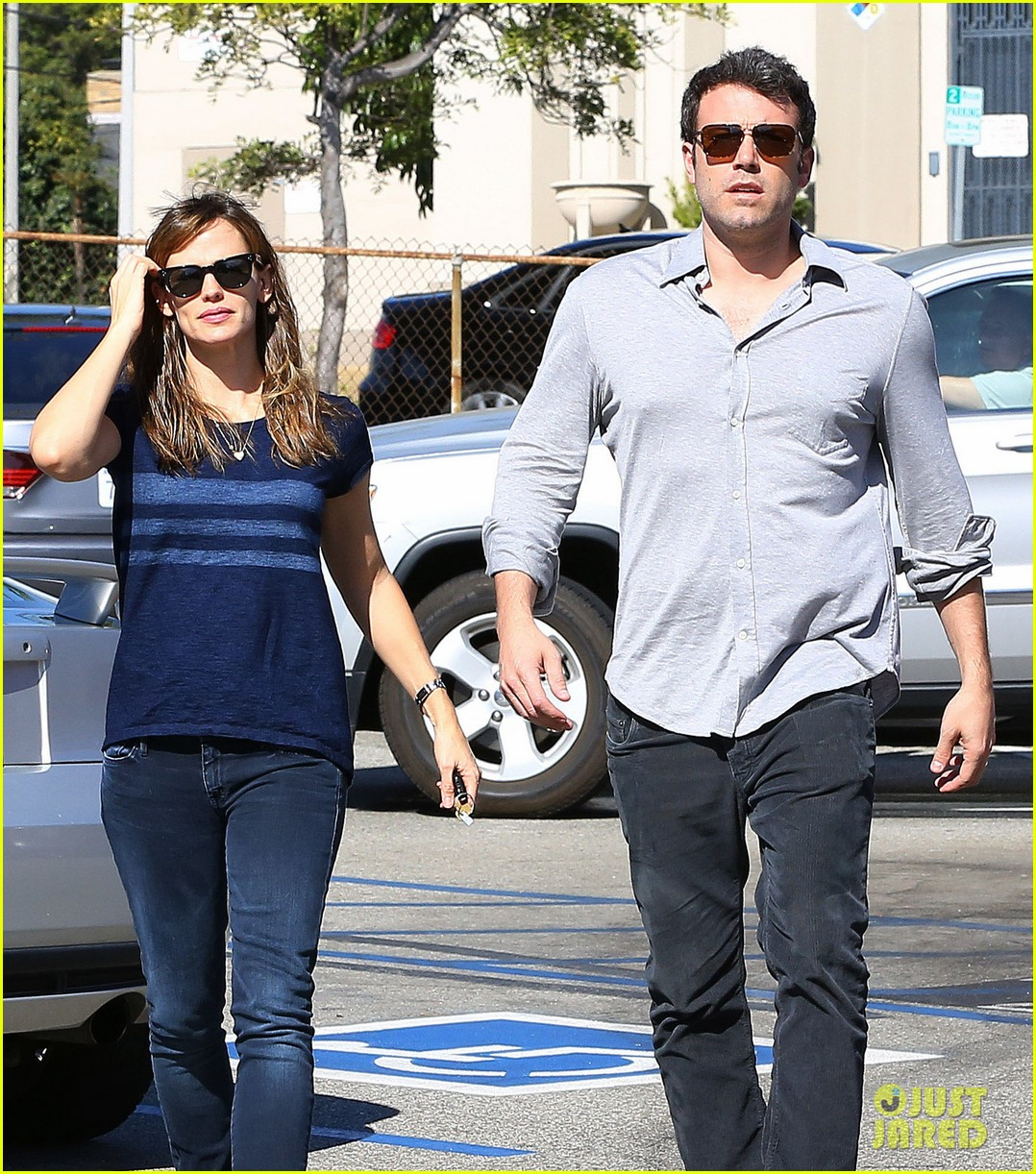 ben affleck jennifer garner daredevil becoming a tv series 21