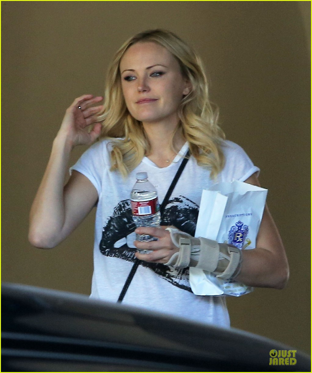 malin akerman wears arm brace after doctors visit 092984845