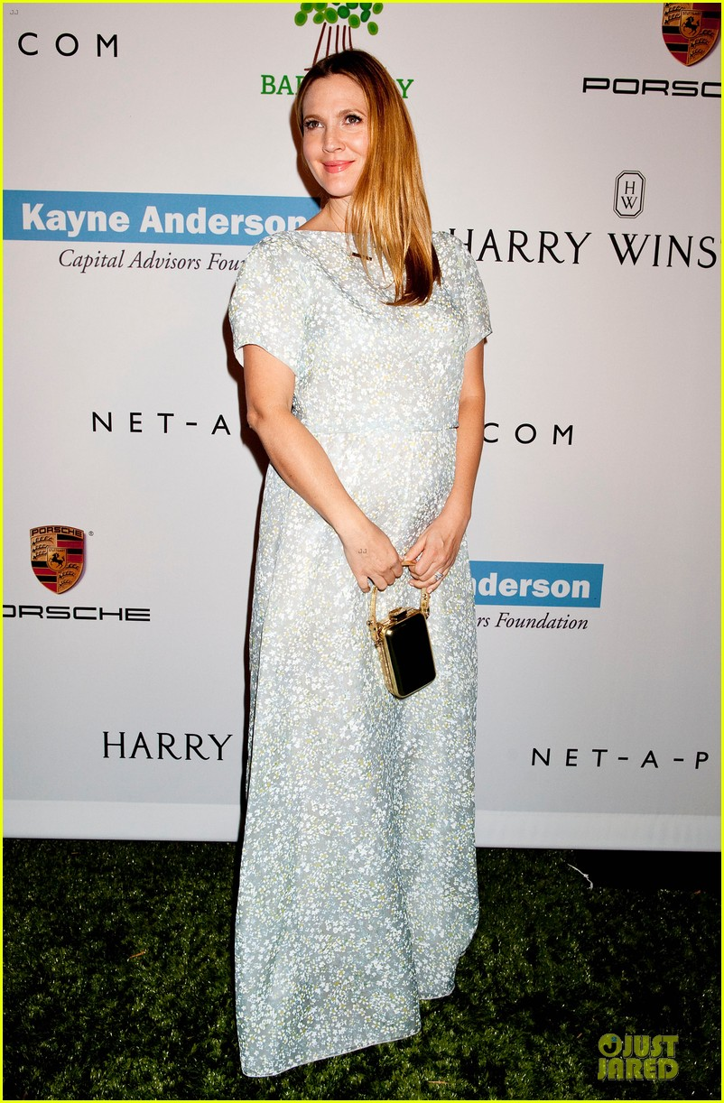 jessica alba baby2baby gala with honoree drew barrymore  10
