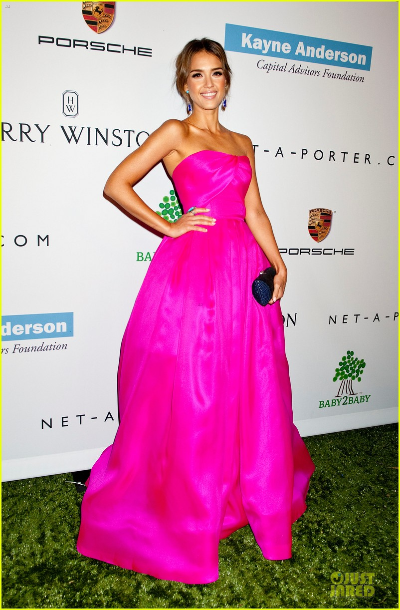 jessica alba baby2baby gala with honoree drew barrymore  14