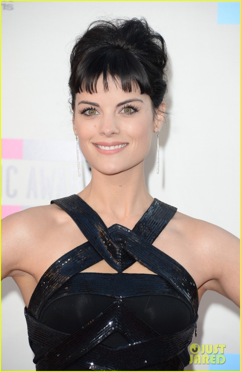jaimie alexander amas 2013 red carpet 08