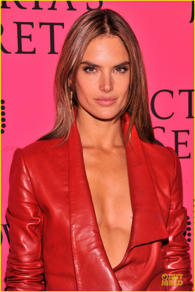 alessandra ambrosio candice swanepoel victorias secret fashion show after party 10