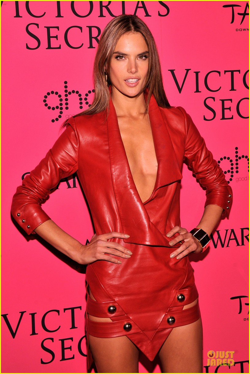 alessandra ambrosio candice swanepoel victorias secret fashion show after party 12