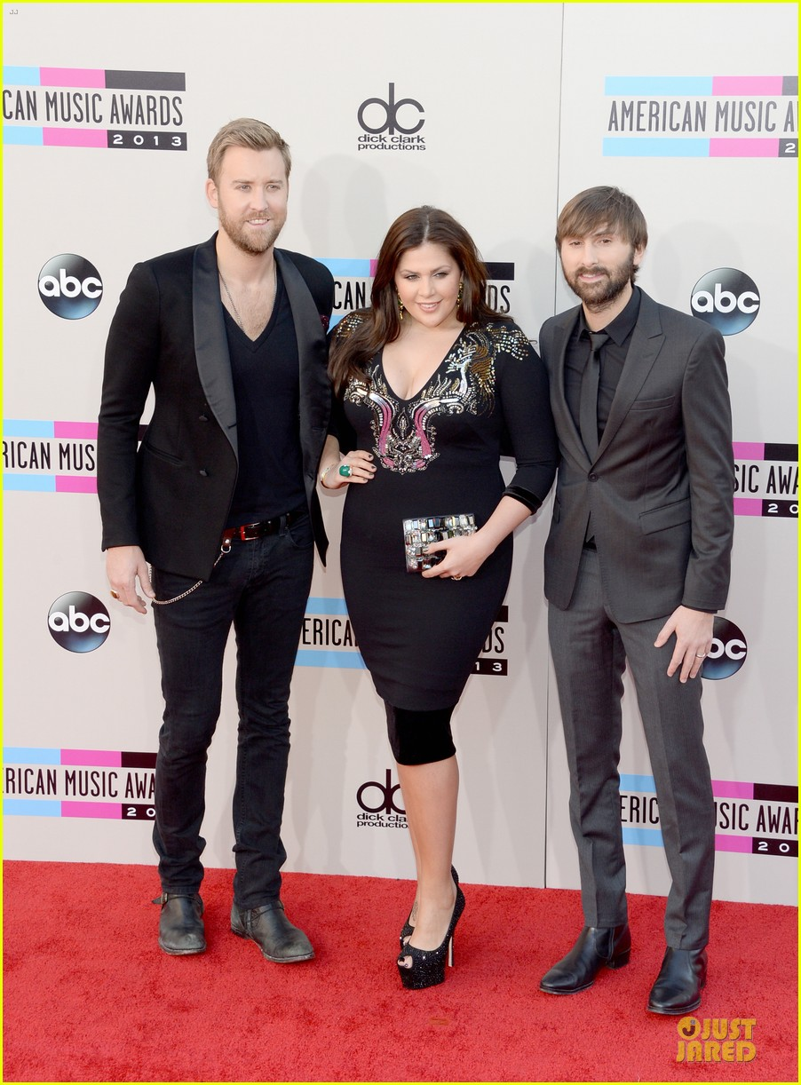 lady antebellum amas 2013 red carpet 012999233