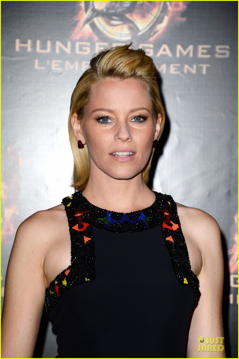 elizabeth banks really important catching fire questions exclusive 13