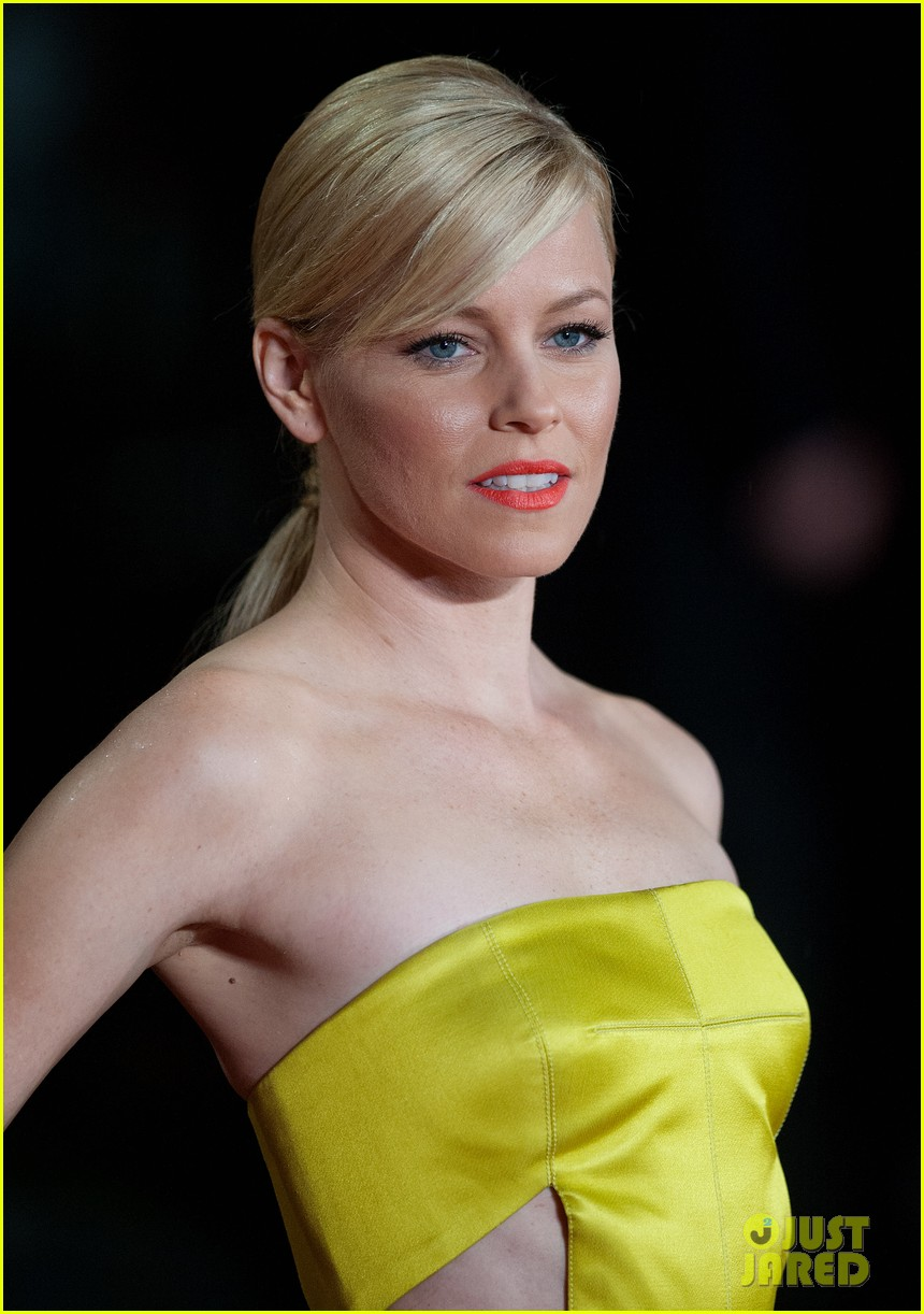 elizabeth banks jena malone catching fire world premiere 122990497