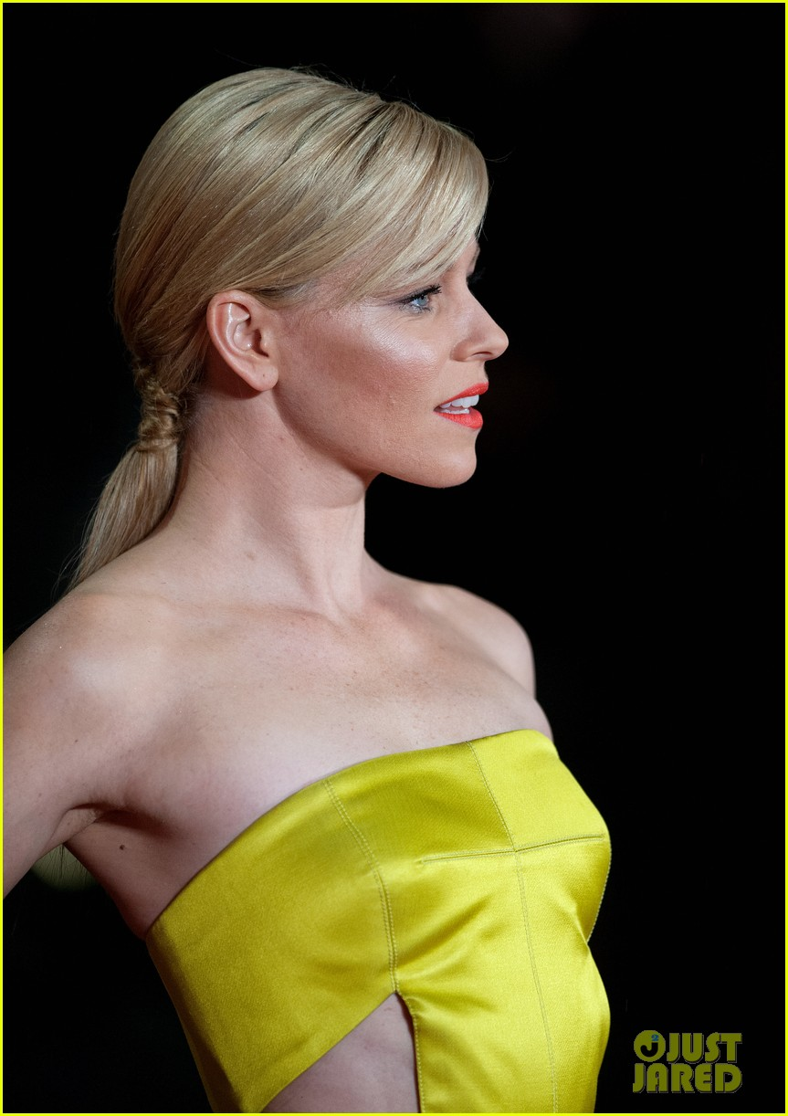 elizabeth banks jena malone catching fire world premiere 132990498