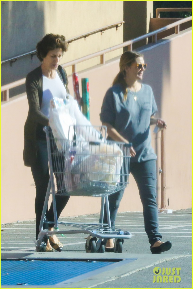 drew barrymore thanksgiving grocery shopping 033001978