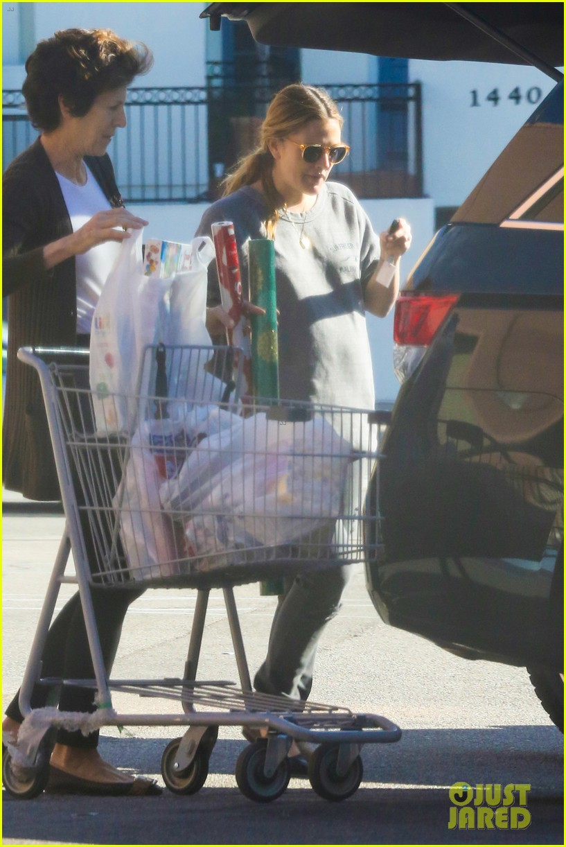 drew barrymore thanksgiving grocery shopping 11