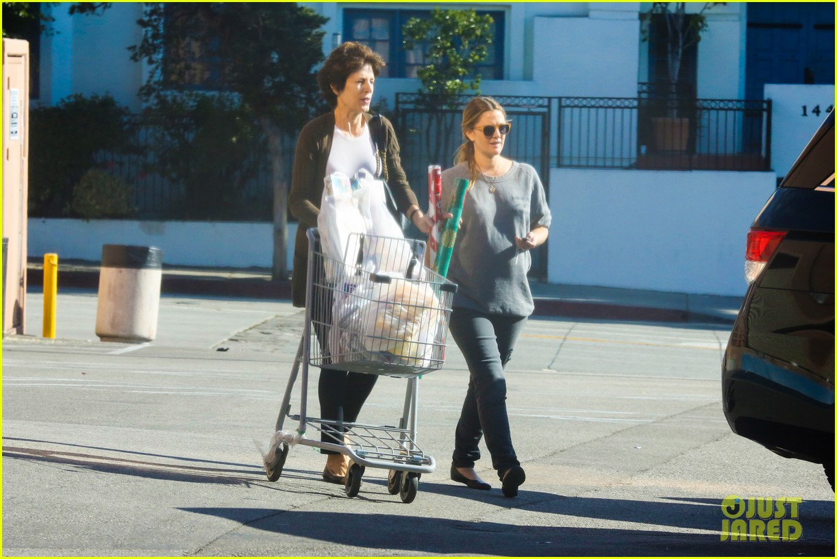 drew barrymore thanksgiving grocery shopping 15