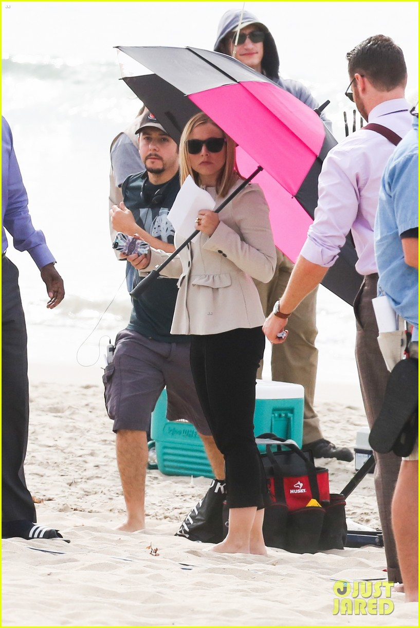kristen bell house of cards beach filming 05