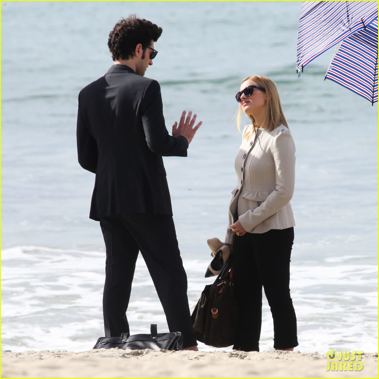kristen bell house of cards beach filming 21