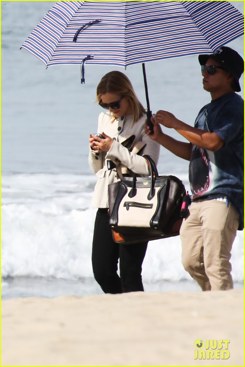 kristen bell house of cards beach filming 22
