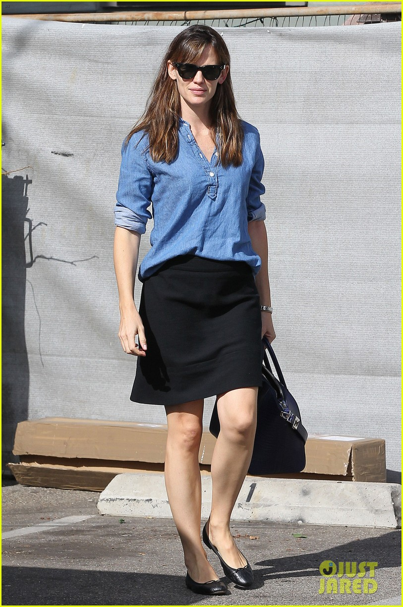 ben affleck jennifer garner busy sunday santa monica 06